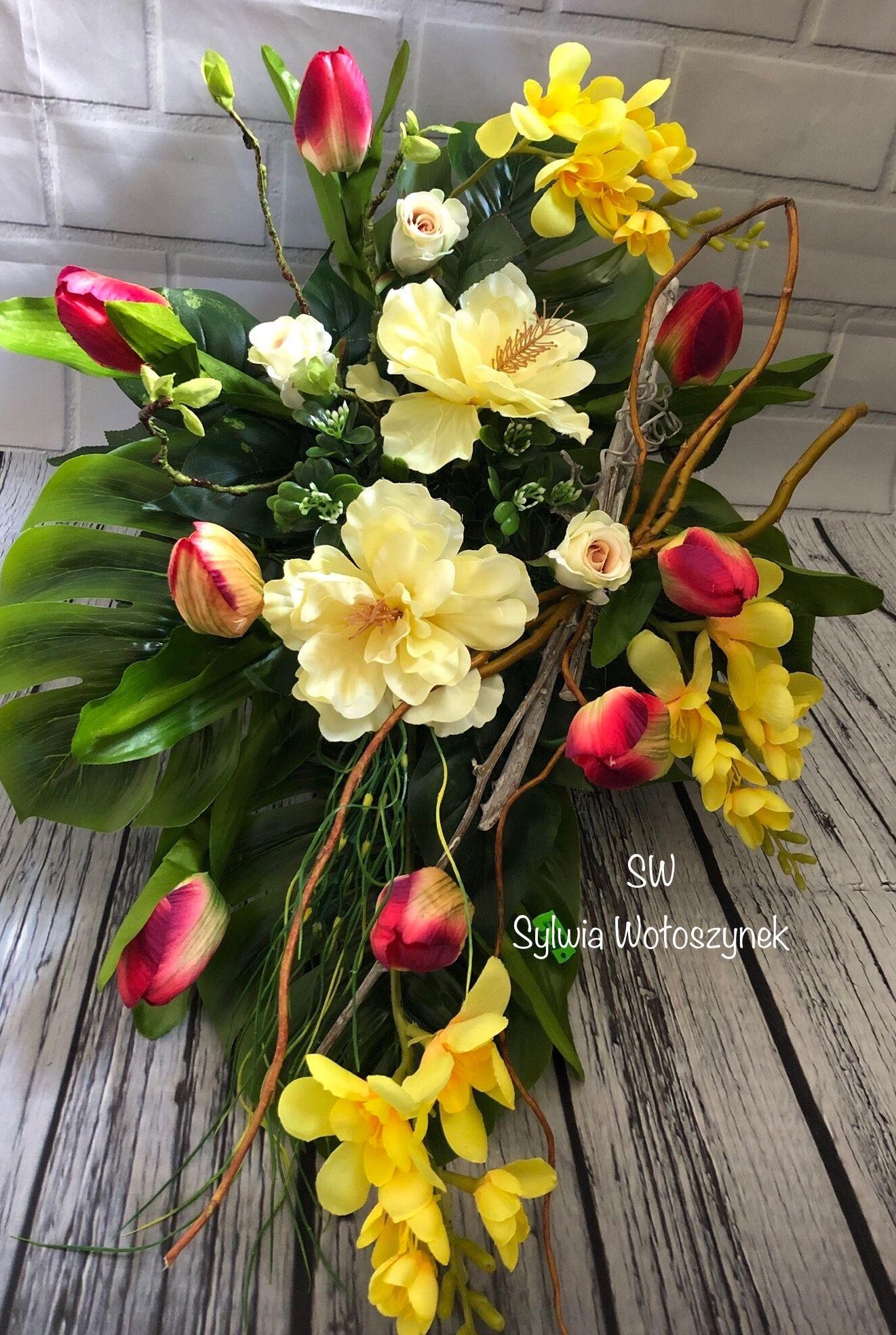 Kompozycja Nagrobna Wiosna 2019 Wyk Sylwia Woloszynek Fall Floral Arrangements Beautiful Flower Arrangements Flower Arrangements