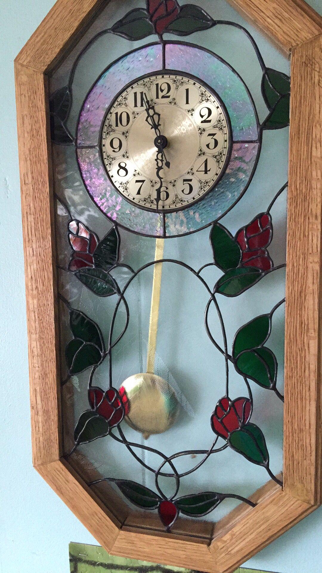 Beautiful Rose Trellis Quartz Pendulum Clock