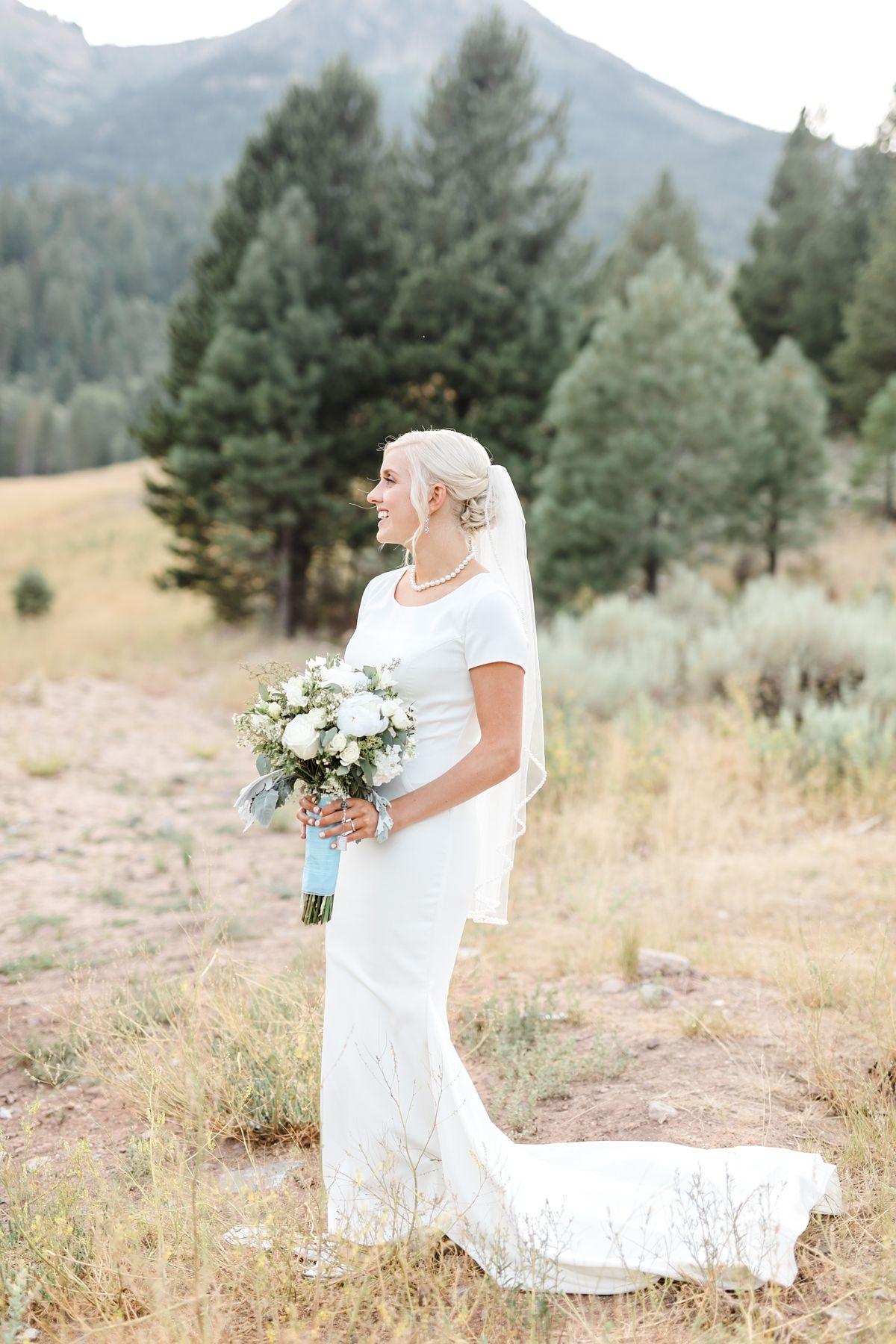 Summer Greenhouse Wedding At Shade Home Garden Orem Utah Greenhouse Wedding Wedding Dress Photography Utah Wedding Dress
