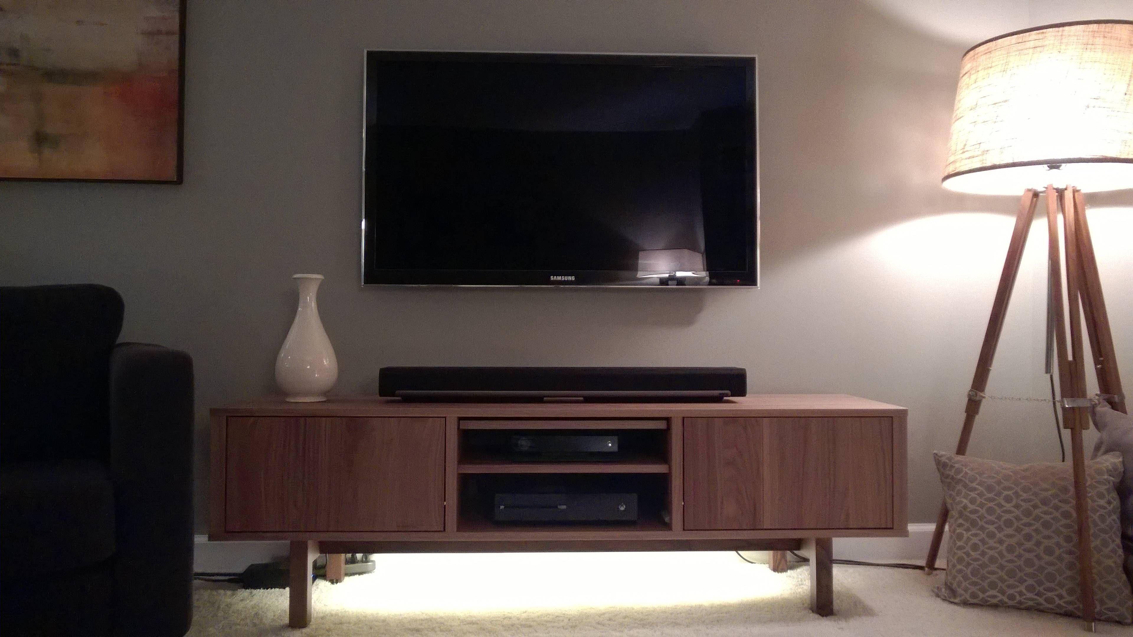 Chicago Living Room Retro Apartment Decor Living Room Tv Stand