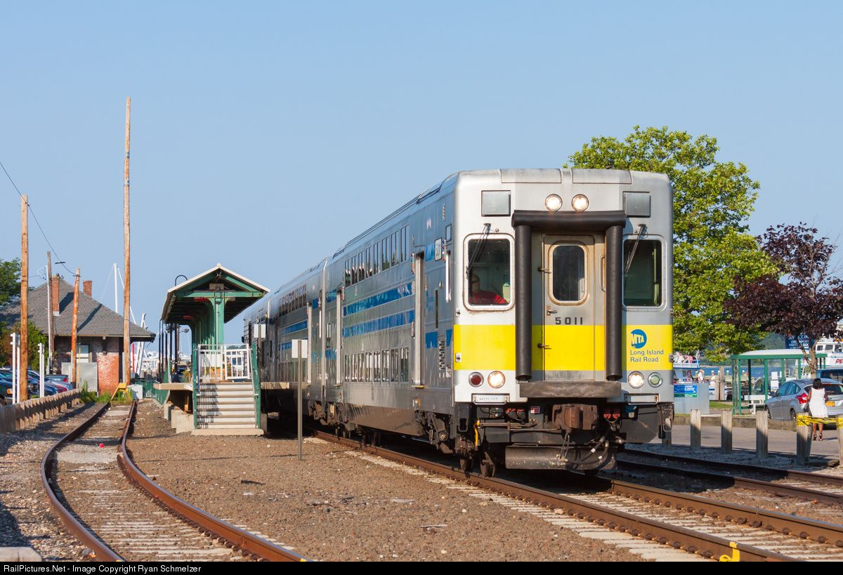RailPictures.Net Photo: LIRR 5011 Long Island Railroad C-3 Cab-Car at Greenport, New York by Ryan Schmelzer