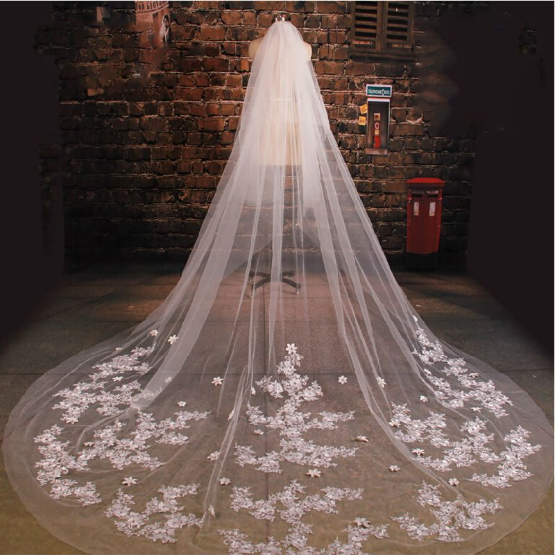 Luxury Wedding Veil Cathedral VeilBridal Veill Off White Lace Two Tiers With Comb Ivory In Handmade