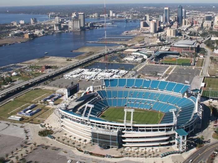 Jacksonville Jaguars Everbank Stadium Jacksonville Jaguars Nfl Stadiums Jacksonville Florida