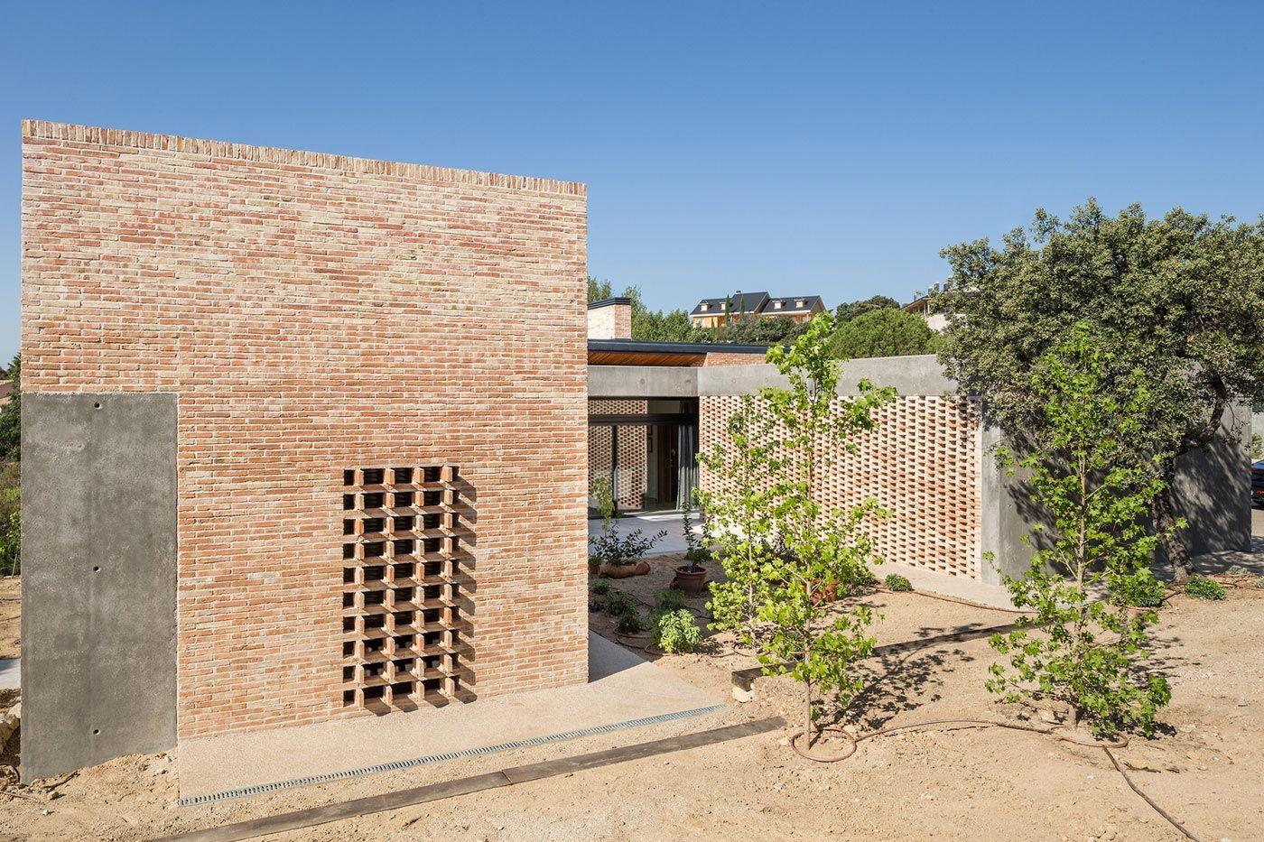 Architectural Home Design Brick House By Mariano Molina Brick  # Muebles Rogelio Gonzalez