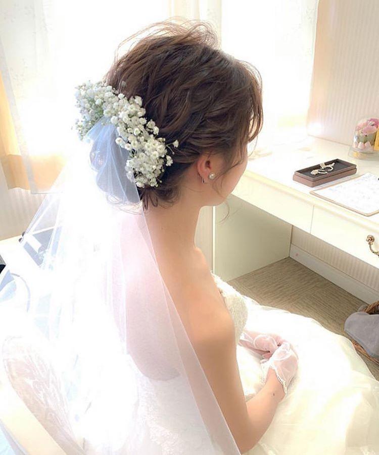 プレ花嫁の結婚式 ウェディング メディアmarryマリー On Instagram 生花のかすみ草 ベールの花嫁ヘア ピュア