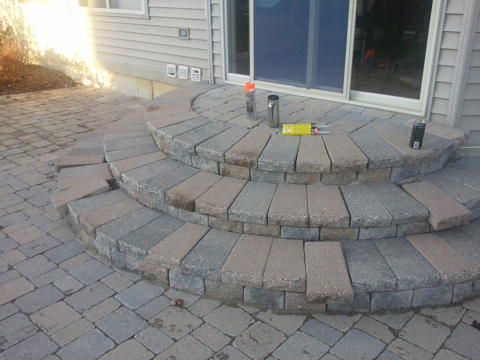 Simple paver patio designs brick pavers ann arbor canton for Brick steps design ideas