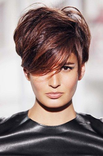Coiffure on coupe court ! Looks e Look