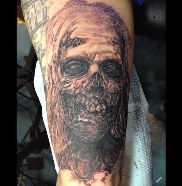 Jose perez jr 39 s living dead tattoo tatting and body for Tattoo parlors wichita ks