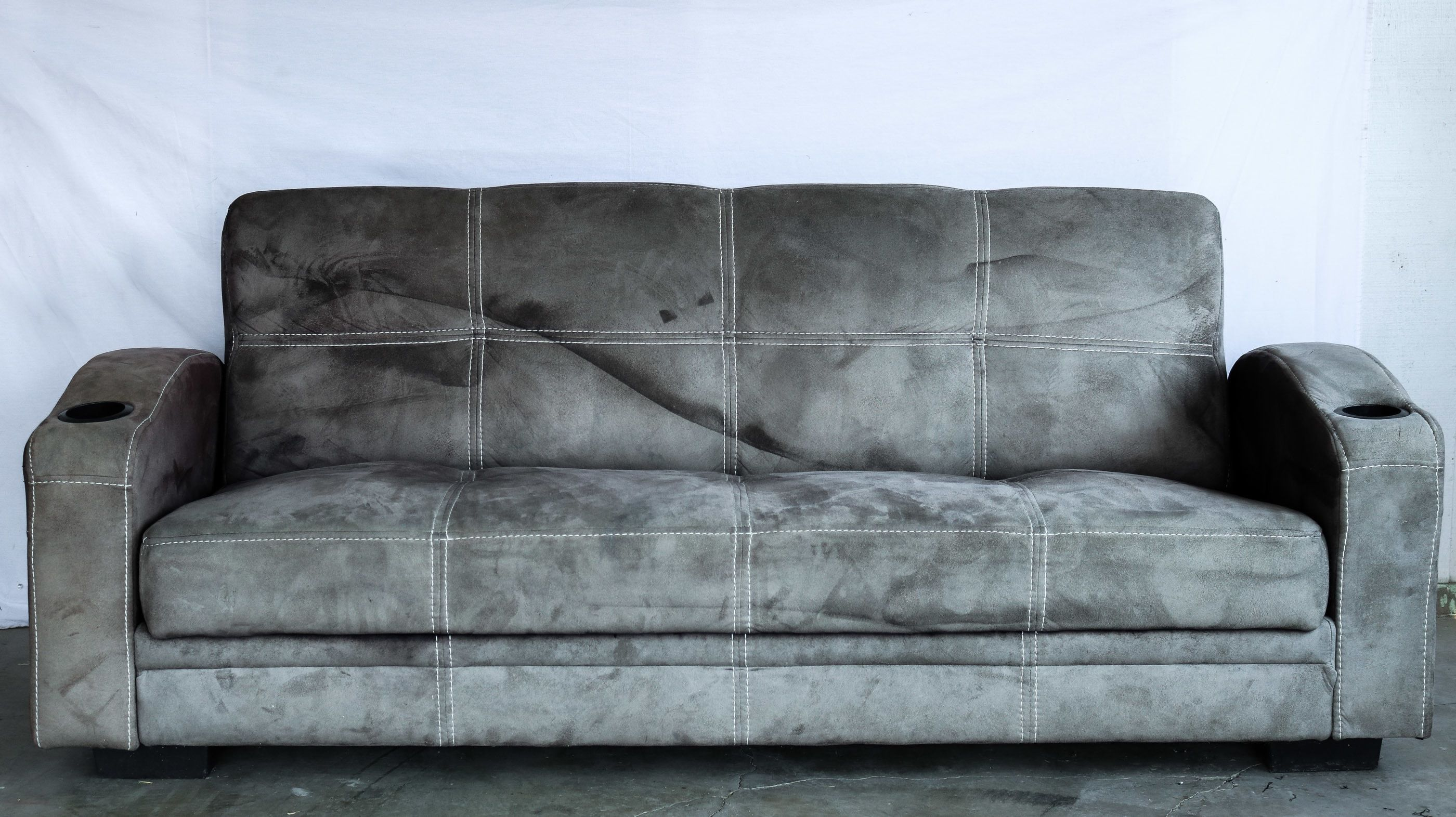 Paint Your Old Couch To Look And Feel Like Leather Painting Fabric Furniture Microfiber Couch Furniture