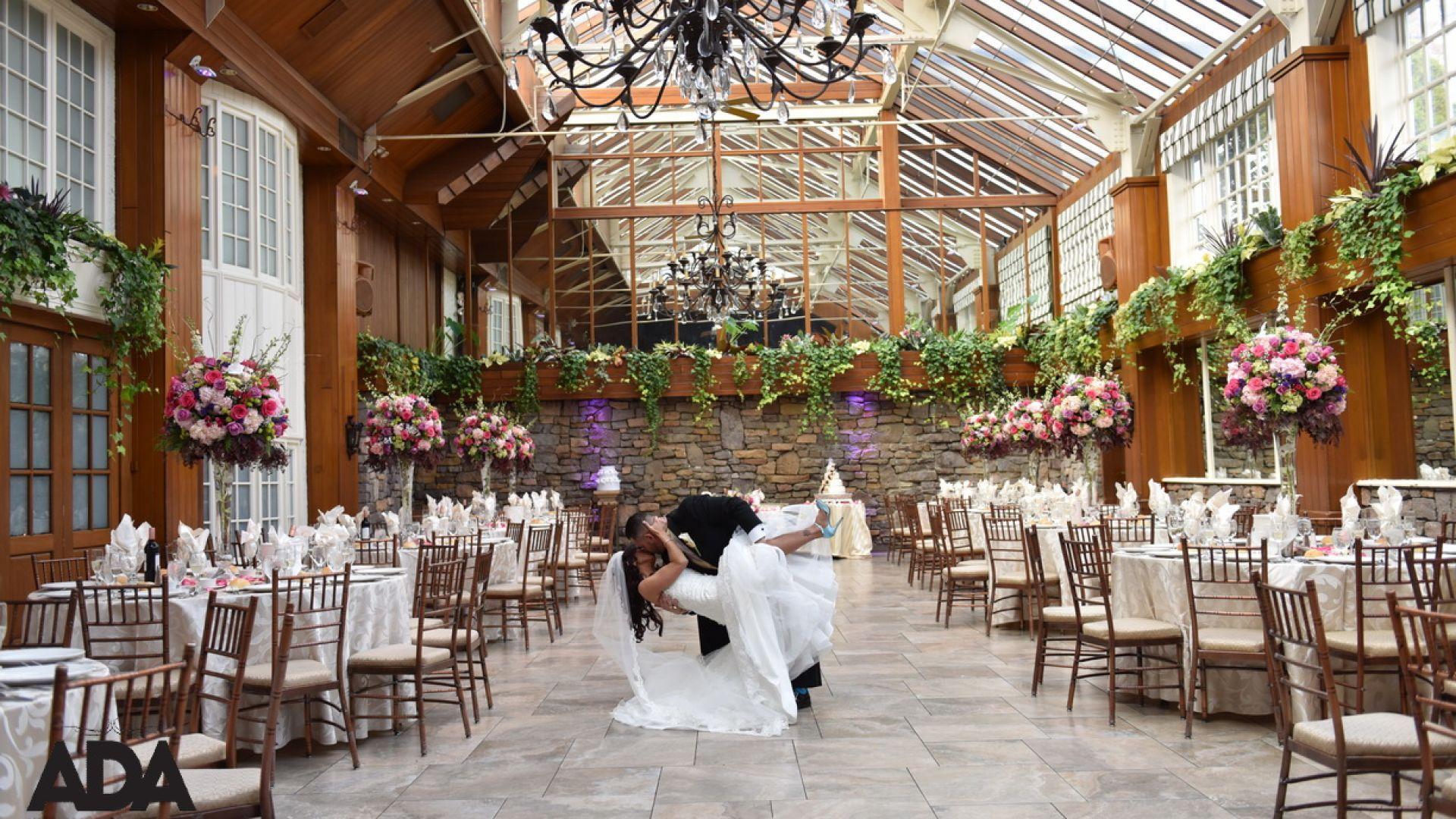Long Island Wedding Venues Fox Hollow Caterers In 2020 Wedding Venues Long Island Long Island Wedding Wedding Menu
