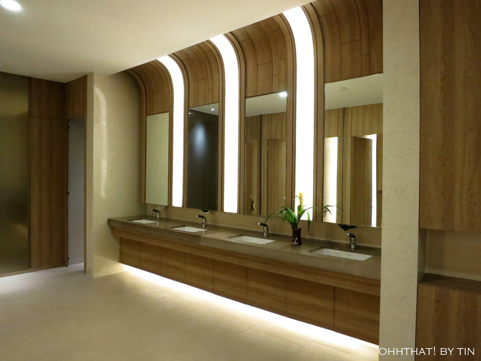 Public bathroom designs - Ohhthat By Tin Ikkoryu Fukuoka Ramen At Shangri La Plaza East Wing Public Hotelpublic Bathroomsshangri Larestroom Designrestroom