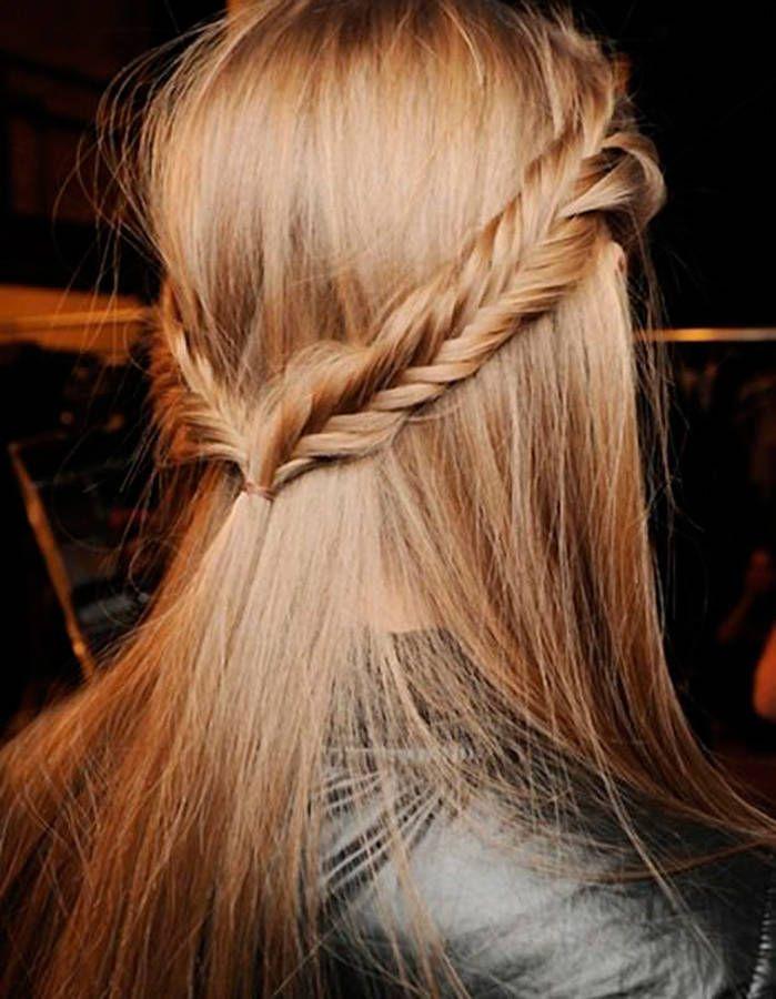 Coiffure simple avec tresse tresses et jolies coiffures pinterest coiffures et simple for Comcoiffure avec tresse facile