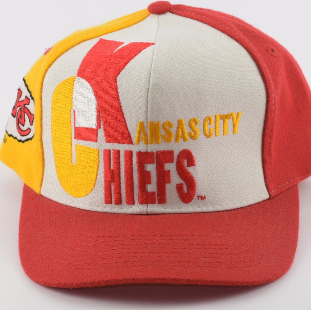 new style bae0b 185c8 Vintage Pro Line Kansas City Chiefs NFL Football Pin Wheel Snapback AJD Hat  Cap   Sports