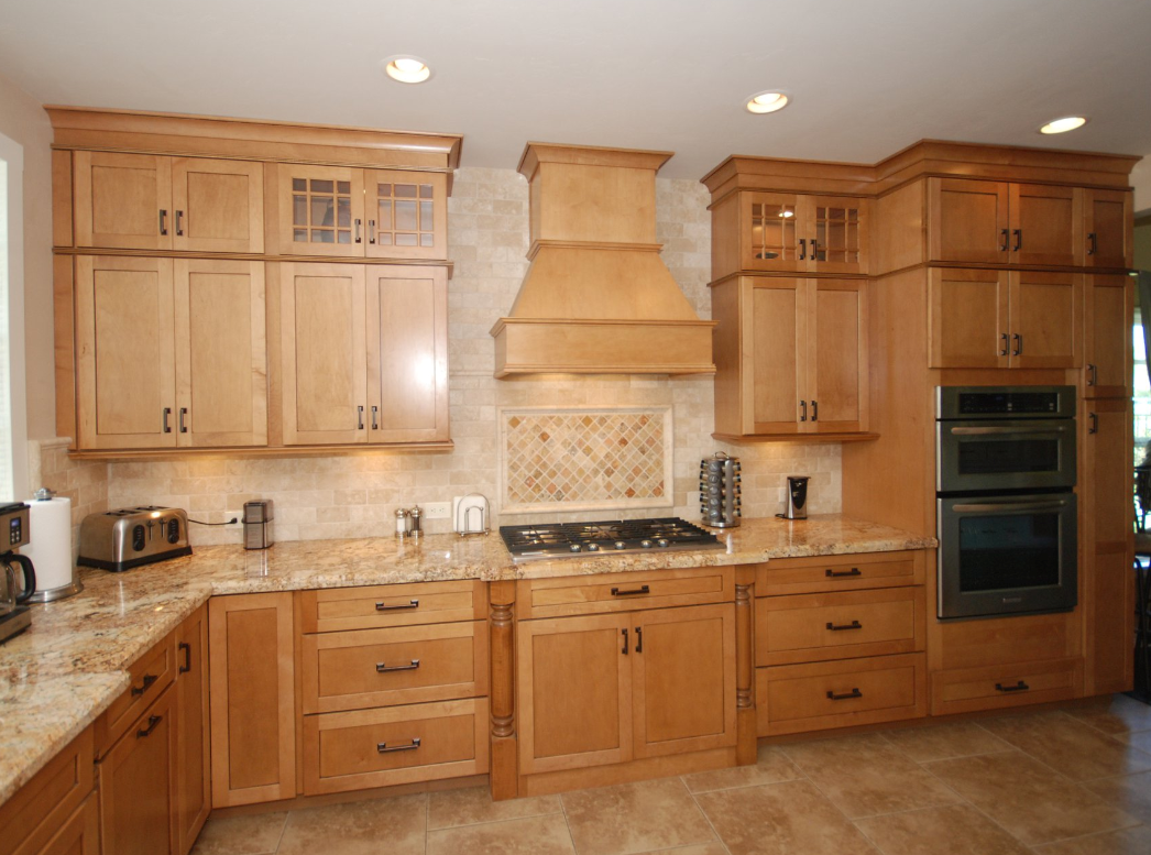 KraftMaid Ginger Glaze cabinets with granite countertops ... on Maple Kitchen Cabinets With Granite Countertops  id=88187