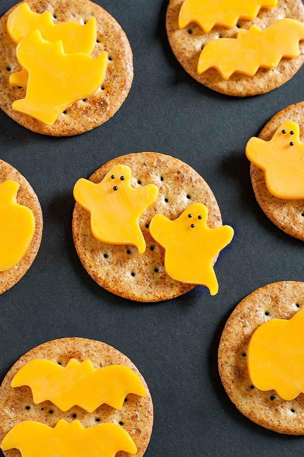 Halloween finger foods Spooky Cheese & Crackers