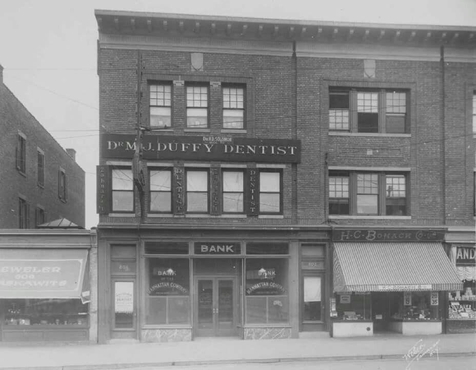 HC Bohack's Grocery Store (1920) Fresh Pond Rd & Putnam