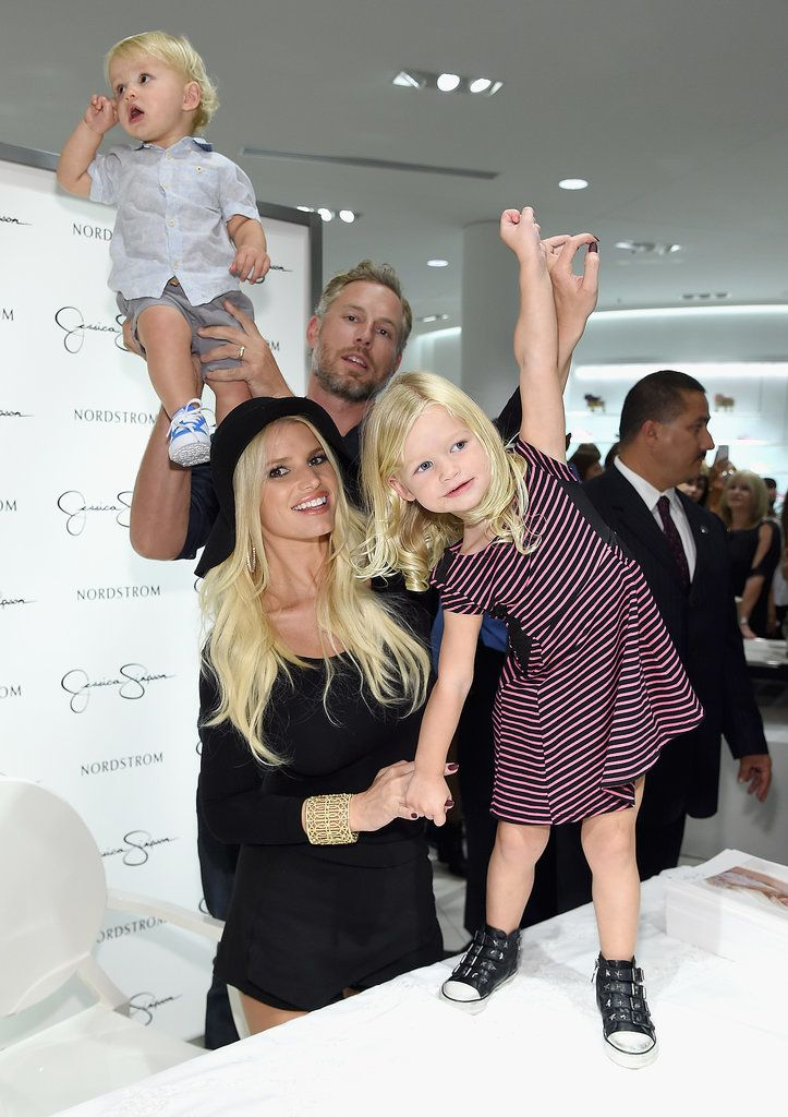 Jessica Simpson And Her Kids Get Ridiculously Adorable At Her Fashion Show Celebrity Moms Celebrity Kids Celebrity Families