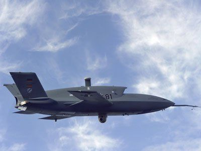 These New Drones Are Like Nothing The World Has Ever Seen    Read more: http://www.businessinsider.com/check-out-these-next-generation-drones-2012-6#eads-cassidian-barracuda-6#ixzz1x5h8ziek