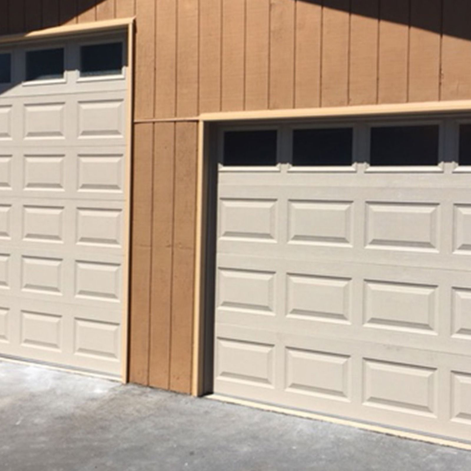 4 Northwest Modern Classic With Black Anodized Frame And Satin Etched Glass Garage Door Styles Garage Doors Unique Garage Doors