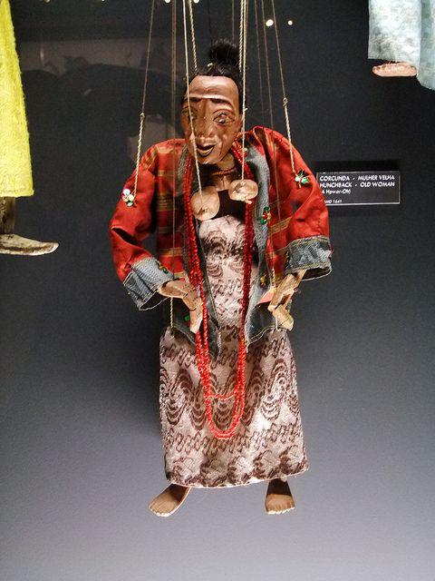 Mulher Velha, Marionetas do Myanmar
