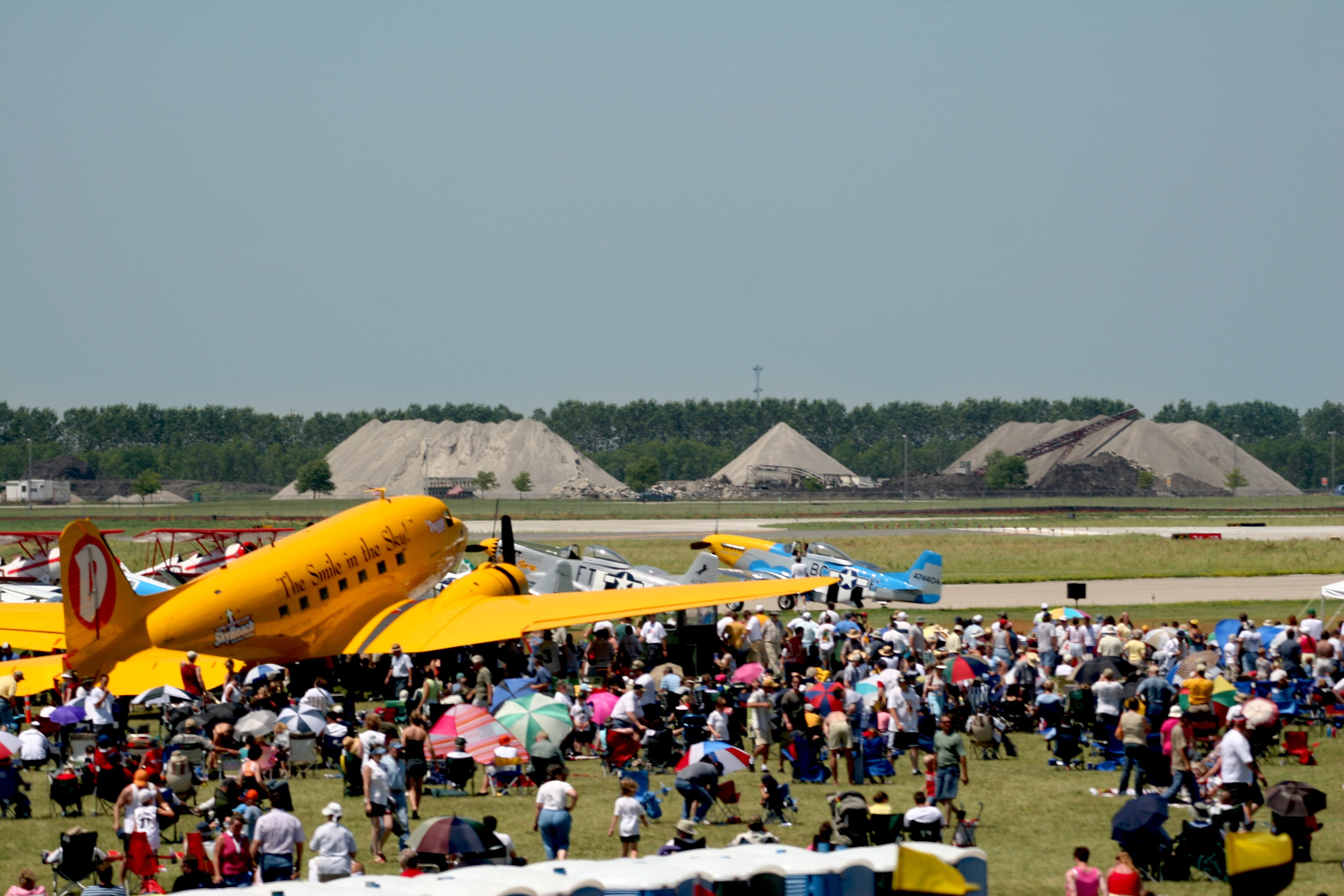 Duggy aka The Smile in the Sky at the #Fargo AirSho!