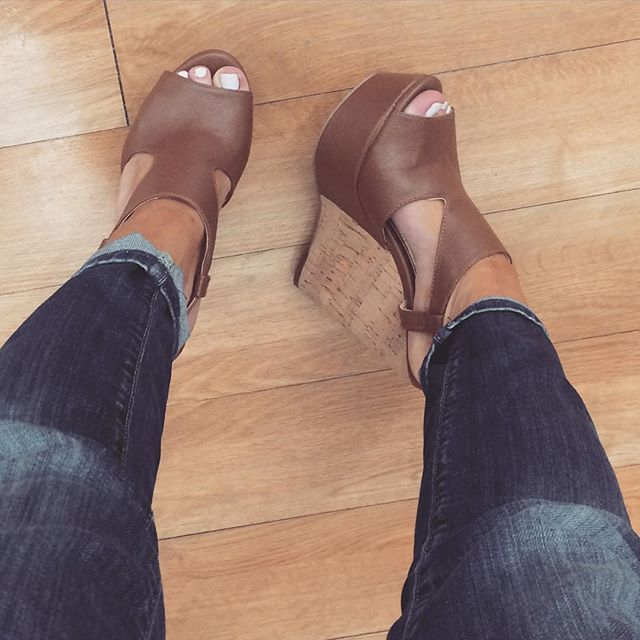 sexy african feet in heels