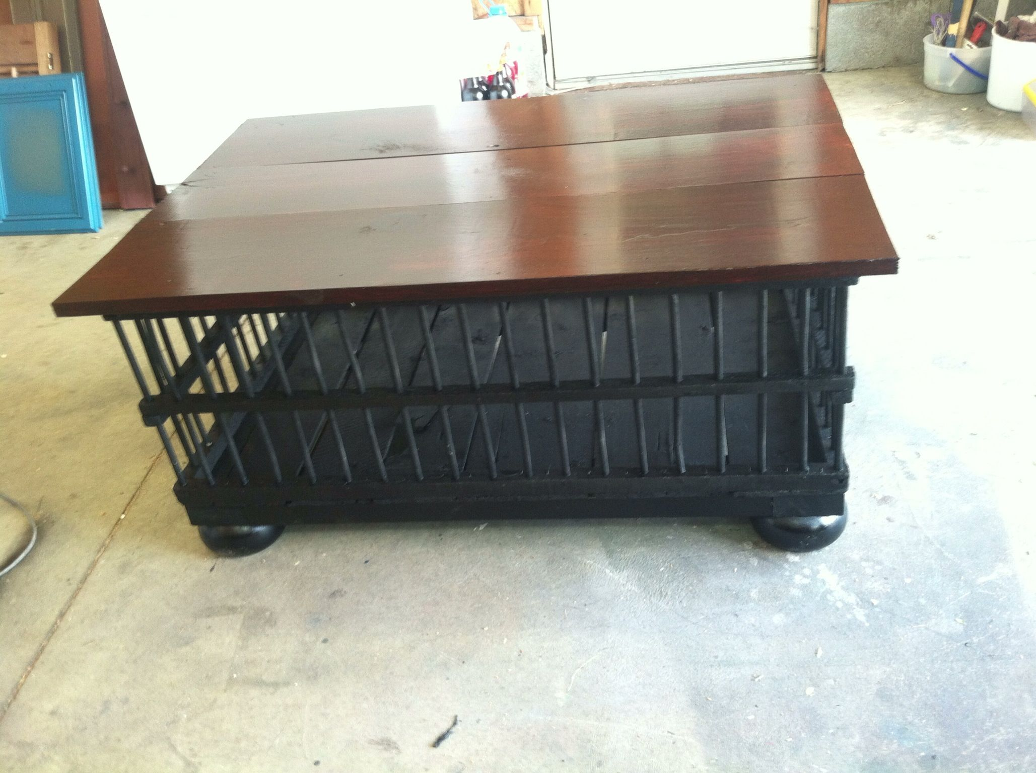 Coffee Table Out Of An Old Chicken Crate My Finished Projects Pinterest Chicken Buns And