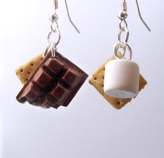 This latest Etsy find, will have you craving that quintessential Camper's treat: Handmade Smores . Deliciously perfect, you might be tempted to take a nibble.  The Etsy Shop: kawaiidesune Jump to the yummy: Handmade Smores Earrings