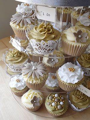 Vanilla Iced - Giant Cupcakes - Cupcake Towers - Wedding Cupcakes ...