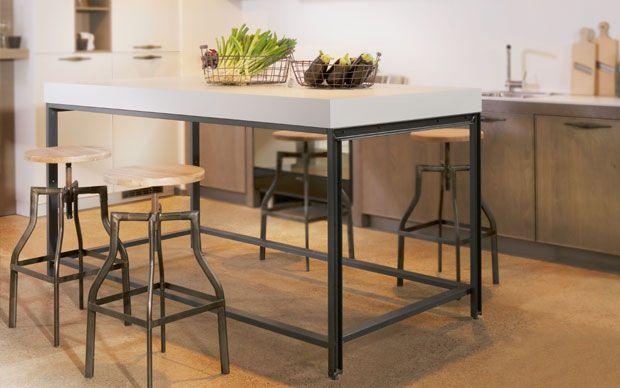 Esstisch aus Stahl im Foodtruck Style Foodtruck Küche - häcker küchen münchen