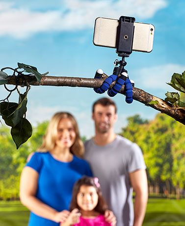 Get the angle of your photo just right with this Compact Selfie Bendipod. The versatile device has 3 bendable legs that let you wrap it around poles, tree branc