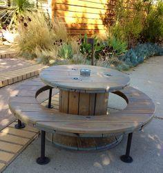 Salon de jardin avec un touret en bois | Ameublement | Pinterest ...