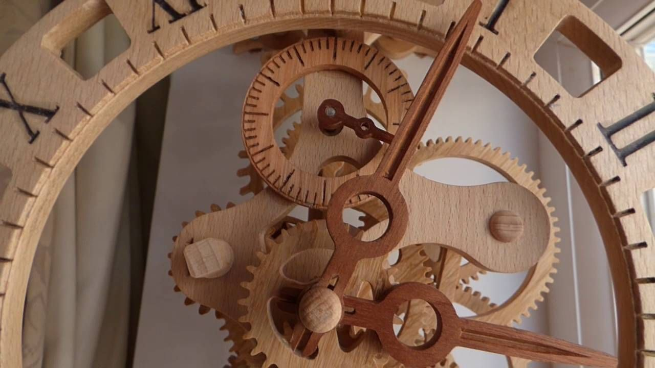 Lily Wooden Wall Clock Lemn