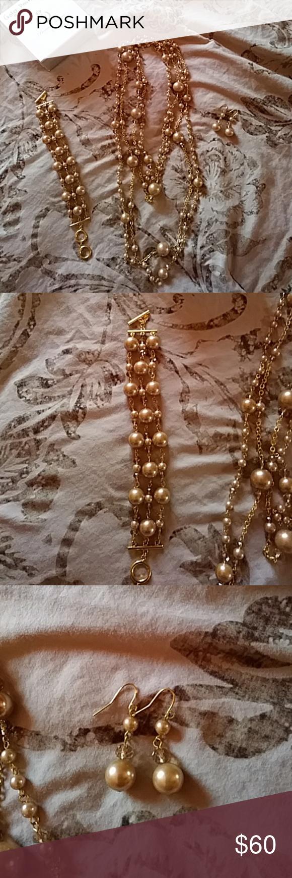 Pretty in pearls necklace bracelet earrings set layered