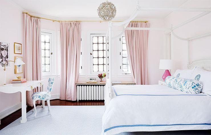 Soft Pink Tones Coordinate Subtle Blue Accents To Create A Girls Bedroom Lit By Natural Light Pink Bedroom Decor Shabby Chic Bedrooms Chic Bedroom
