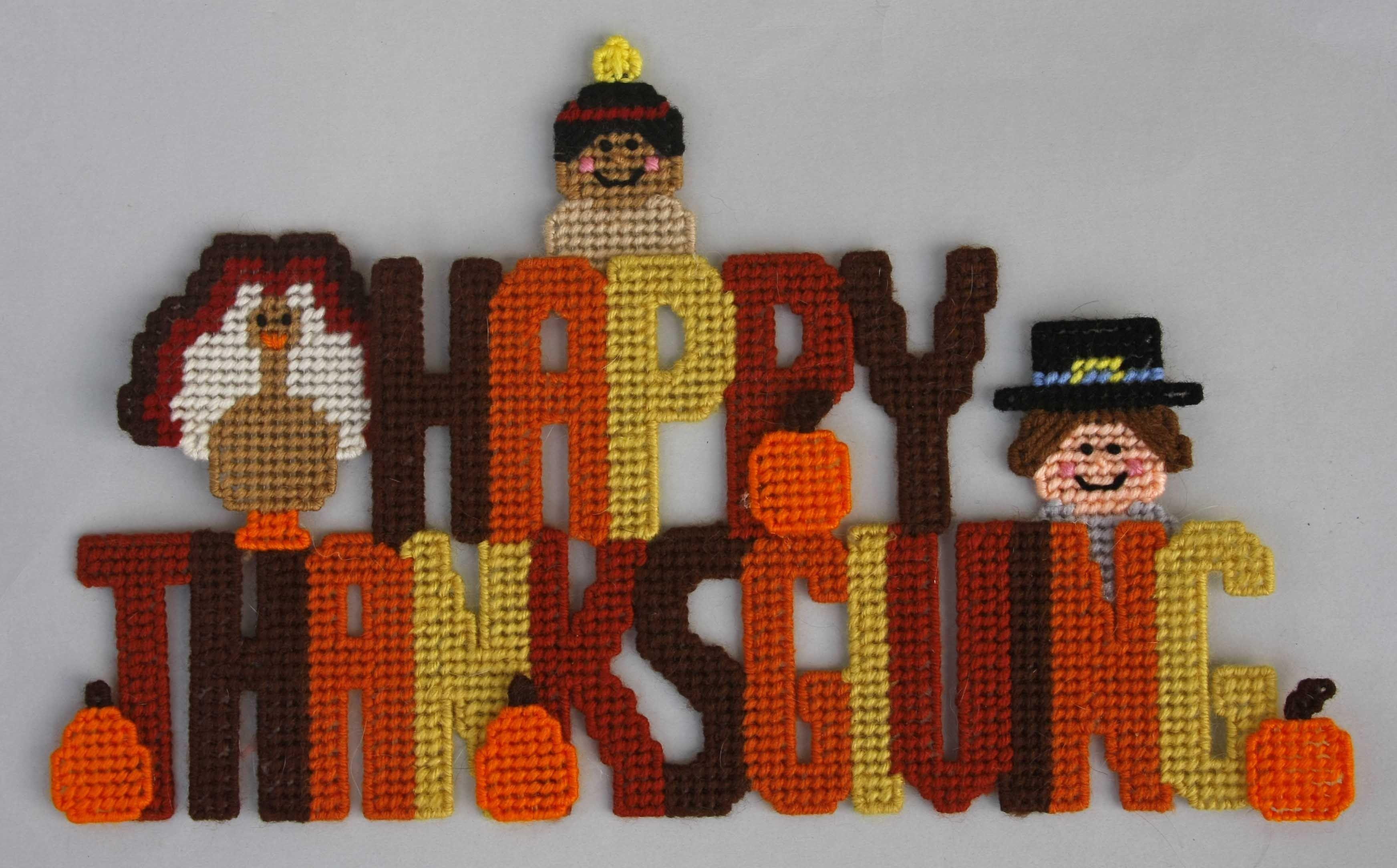 Thanksgiving Wreath with Pilgim//Pumpkins Plastic Canvas Pattern or Kit