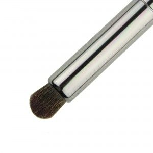 Makeup Geek Smokey Eye Brush - The perfect tool for smoked eyes. Durable and functional. (And well priced!)