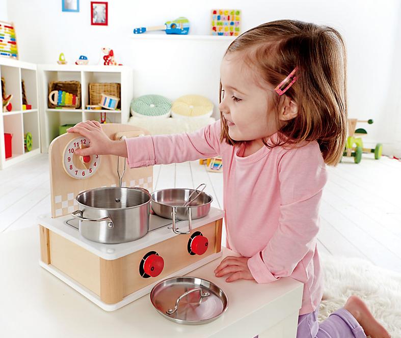 Für kleine Köchinnen und Köche: Mobiler Herd aus Holz bei Weltbild bestellen #kinder #spielen #spaß  #weltbild