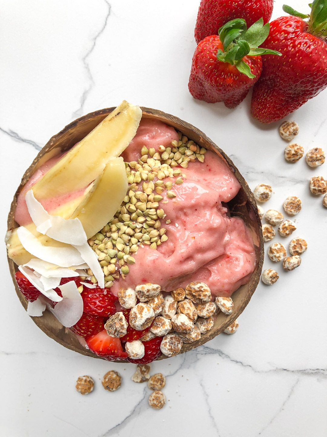 how to make a thick smoothie bowl strawberry