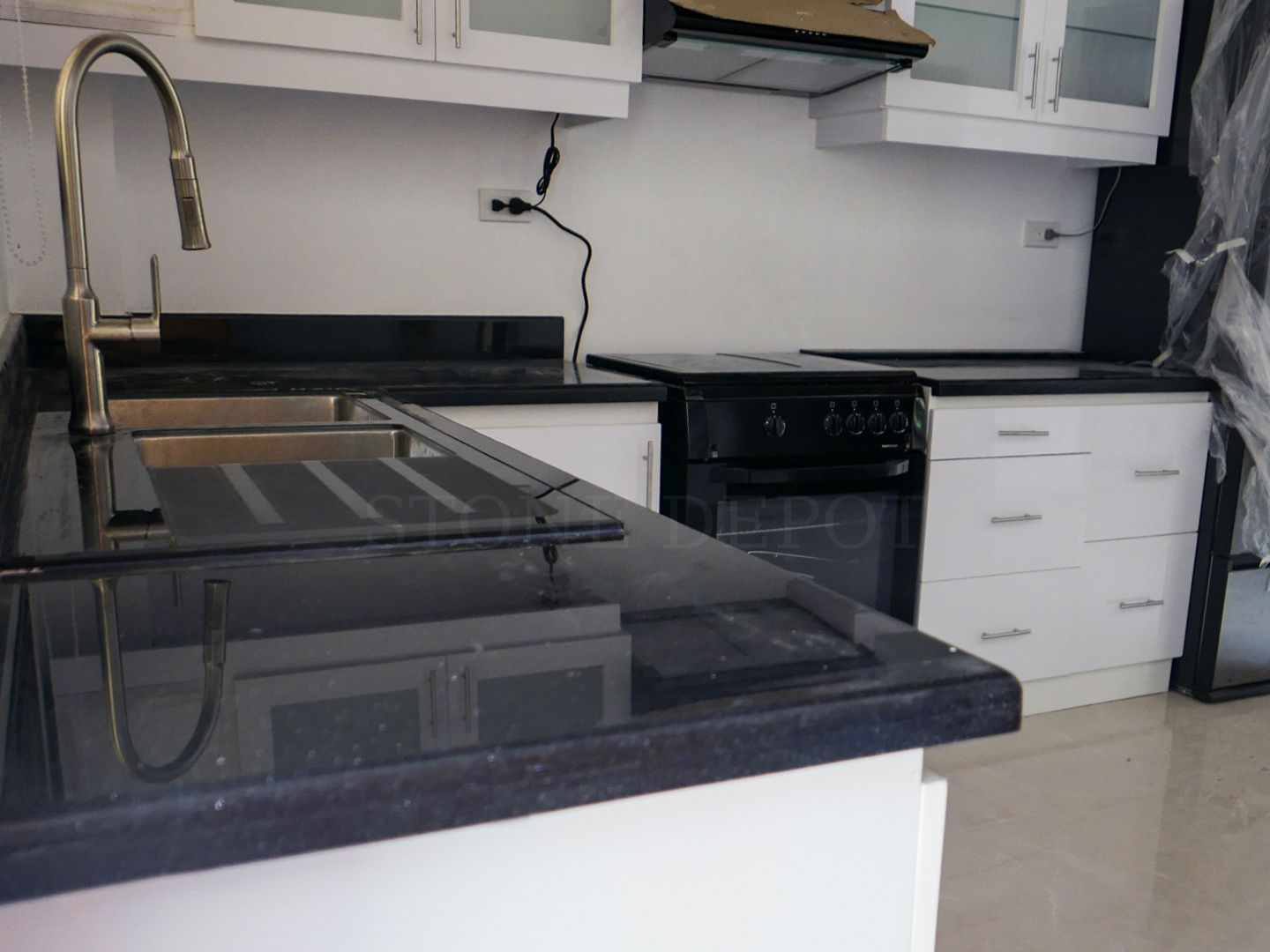 Are You Worried About Incurring Water Damage On Your New Modular Kitchen Cabinet Get A Quarter Round Edge P Marble Granite Countertops Countertops Kitchen