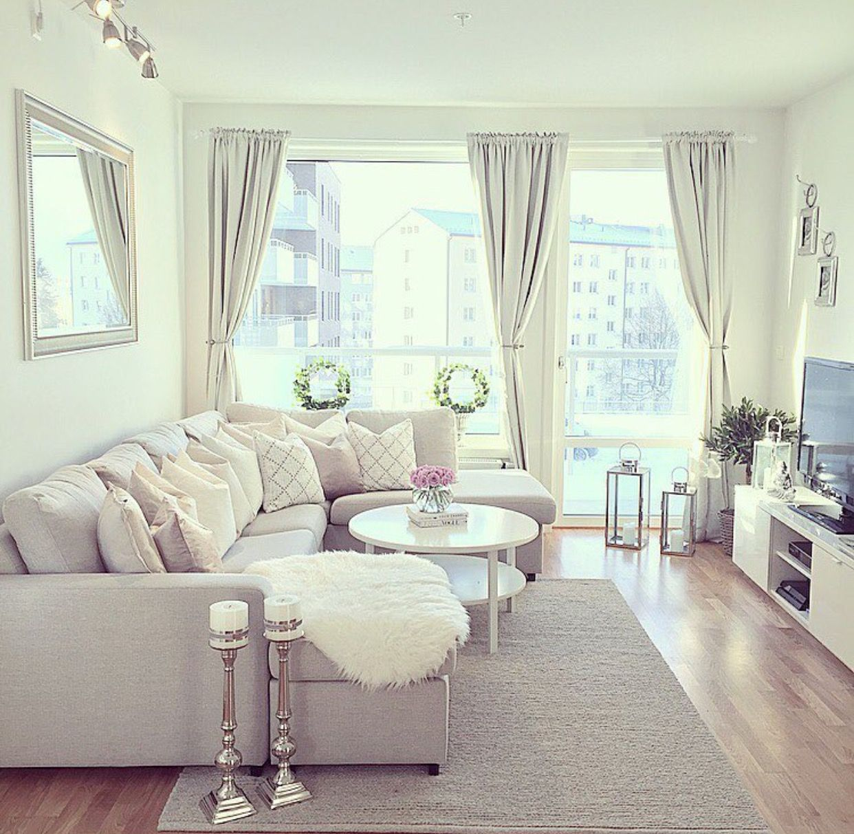 30 Small Living Room Decorating Ideas: Pin By Janica Taipalus On Olohuone