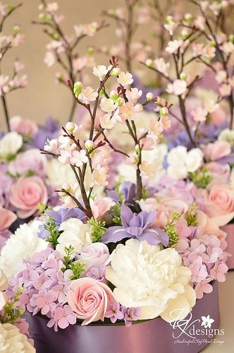 Pretty...different colors, but would be cute for the low centerpieces