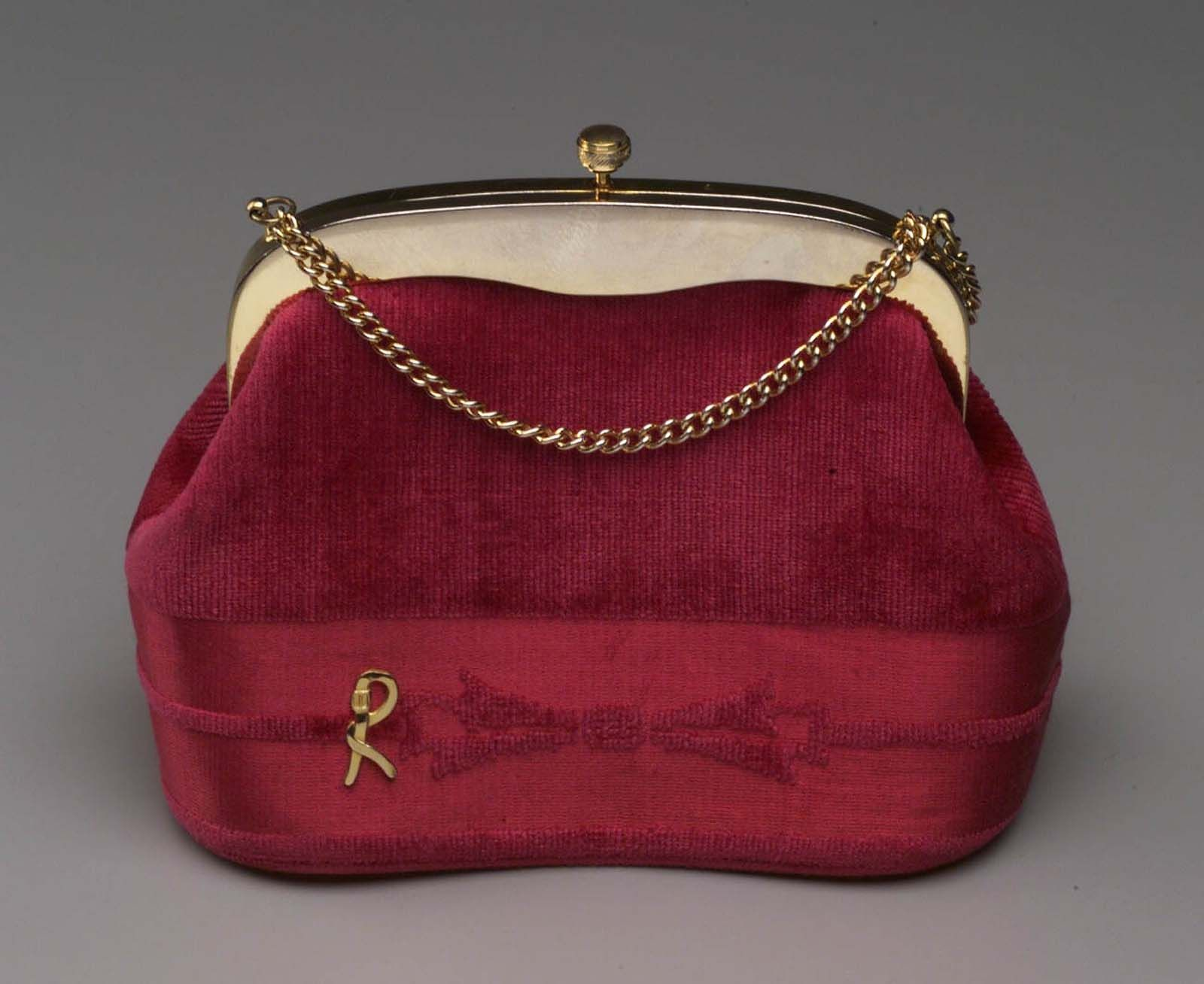 "cca9a7c657dd Roberta di Camerino Handbag - Italian 1950s ""Binocular case"" shaped small  handbag in hot pink velvet with band and bow pattern. Gold ""R"