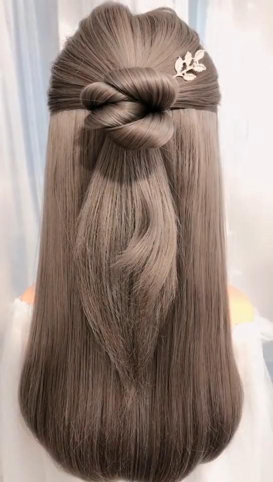 Sassoon style girl hair style The hair style of Sa