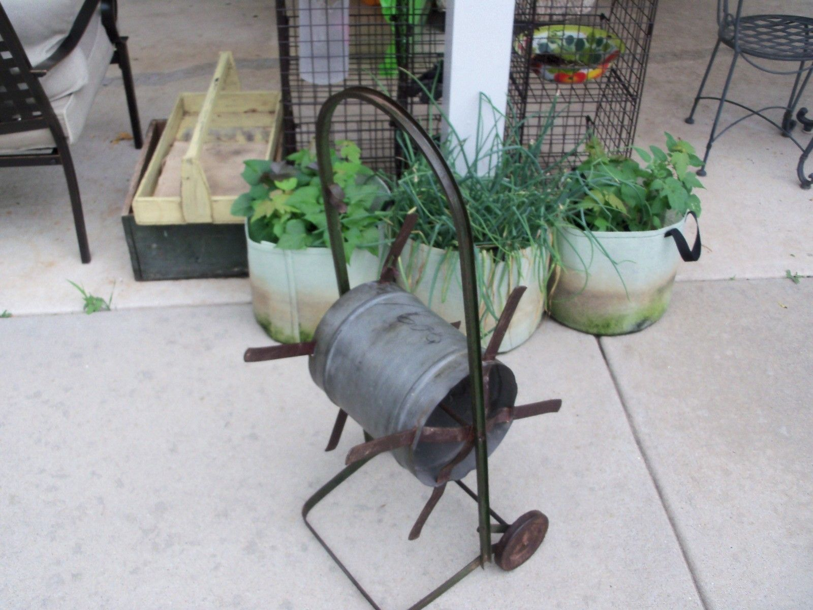 Antique Vintage Metal Steel Industrial GREEN Garden/Lawn Hose Reel w ...