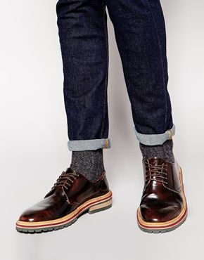 The leather top mixed with the stacked heel makes these Derby shoes the perfect smart casual shoe!