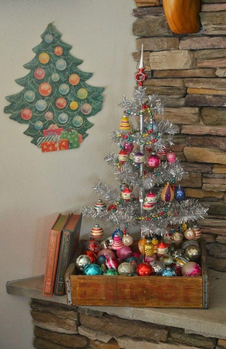 50 Of The Most Inspiring Christmas Tree Designs Vintage Christmas Tree Decorations Retro Christmas Tree Vintage Christmas Tree