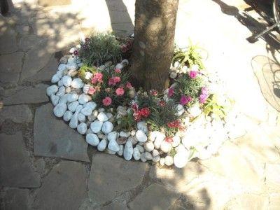 Ghiaia o pavimentazione per il vialetto in giardino