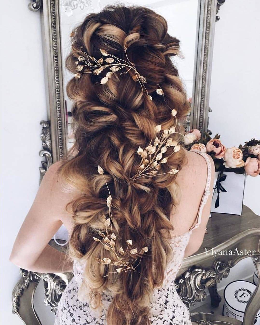 wearing your hair down for the big day? why not! enchanting