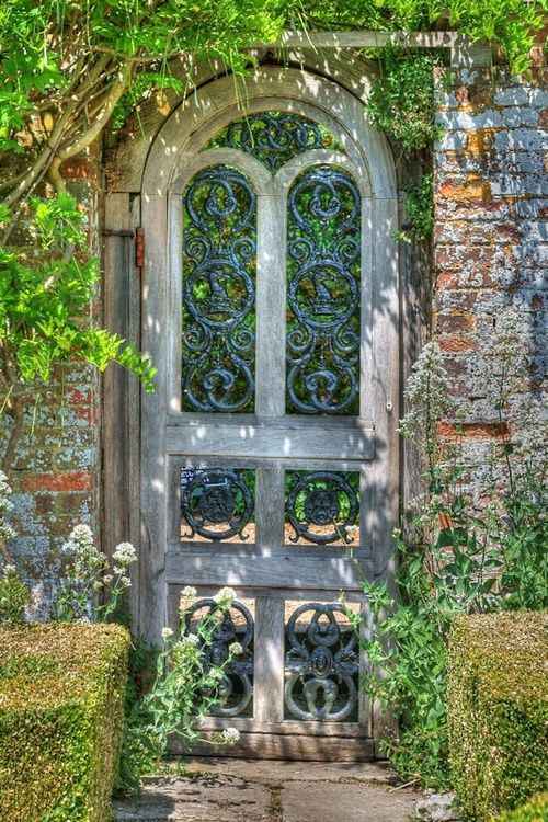 looks like a secret garden beyond this door!